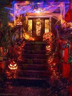 And the award for most exquisite Halloween Haunt goes to. More images of Christopher Week. Halloween with Kids Halloween Yard Art, Halloween Porch Decorations, Halloween Home Decor, Diy Halloween Decorations, Halloween House, Holidays Halloween, Spooky Halloween, Vintage Halloween, Scary Outdoor Halloween Decorations