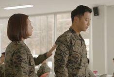 Descendants of the Sun, the Korean drama. Song Joong Ki as Yoo Shi Jin Song Hye Kyo as Kang Mo Yeon Jin Goo as Seo Dae Young Kim Ji Won as Yoon Myeong Joo My Gifs Song Hye Kyo, Song Joong Ki, Seo Dae Young, Decendants Of The Sun, Hwang Jung Eum, Korean Drama Movies, Korean Dramas, Romantic Doctor, Han Ji Min