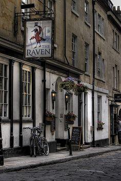 Bath, England...... Best pies in the world!!!!! Yum yum 12-9 good stop after evening walk near Jane Austen Centre