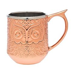 Drink your favorite mule drink in style with the Moscow Mule Owl Mug from Godinger. Featuring a detailed hand hammered owl design, this 12 oz. mug will stay icy cold as you enjoy your Moscow mule cocktail.
