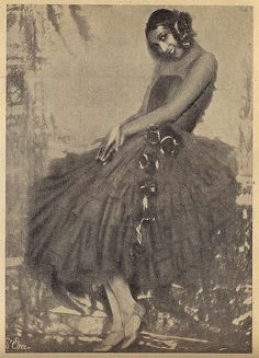 """Josephine Baker   Ilustração Magazine Fashion    This is a scan from a Portuguese magazine, called """"Ilustração"""" (published in 1930).    Vintage African American photography courtesy of Black History Album    #dance #history"""