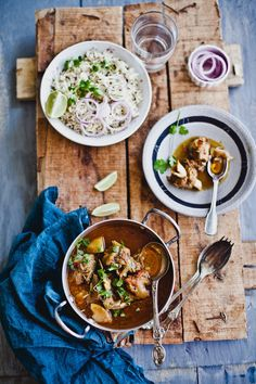 Sunday is incomplete without a hearty mutton curry. Either you simmer it in a deep pan or pressure cook it, it's always delicious and comforting! Veg Recipes, Curry Recipes, Easy Dinner Recipes, Indian Food Recipes, Ethnic Recipes, Meatless Recipes, Mutton Curry Recipe, Pot Pasta, Asian