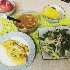 兒子們頭好壯壯午餐剁不斷玉米山藥菇菇湯好好喝ㄚ叡也有蘋果山藥泥泥可以吃