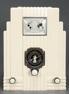 Art Déco - Poste de Radio 'Gratte Ciel' - Modèle 66 - Harold Van Doren et John Gordon - 1933