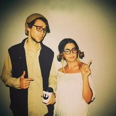 Digging these hipster Han and Leia halloween costumes. Hipster Halloween Costume, Hallowen Costume, Halloween Costume Contest, Cool Halloween Costumes, Couple Halloween, Costume Ideas, Halloween Ideas, Cosplay Ideas, Halloween Makeup
