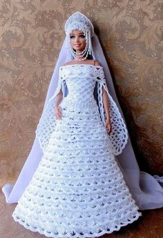 crochet barbie doll clothes for beginners Crochet Barbie Patterns, Crochet Doll Dress, Barbie Clothes Patterns, Crochet Barbie Clothes, Doll Dress Patterns, Knitting Patterns, Barbie Bridal, Barbie Wedding Dress, Barbie Gowns