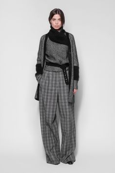 See the complete Piazza Sempione Fall 2017 Ready-to-Wear collection.