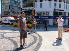 #duranadamlar durmadan artıyor! 18.06.2013 Gezi Parkı protestolarının polisin sert müdahalesiyle dağtılmasının ardından dün saat 18.00'den bu sabaha kadar İstanbul yeni bir eylem şekli ile tanıştı: Durmak!  http://www.radikal.com.tr/fotogaleri/turkiye/duranadamlar_durmadan_artiyor-1138102