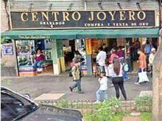El centro joyero se ubica en Monte de Piedad número 5, entre Tacuba y 5 de Mayo, de donde no pudieron salir los delincuentes. Foto: Tomada de Google Maps