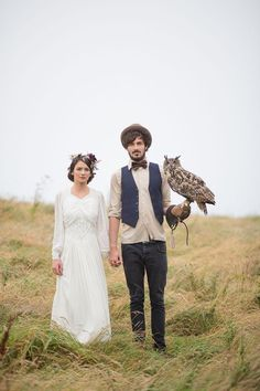 29 Perfectly Adorable Ways To Include Your Pet In Your Wedding | Rustic chic wedding day owl