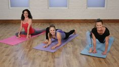 Yoga Fitness Flow - Working your way to the splits, often regarded as the ultimate feat of flexibility, takes time. - Get Your Sexiest Body Ever! 5 Minute Yoga, 10 Minute Workout, Cheer Workouts, Toning Workouts, Yoga Videos, Workout Videos, Yoga Sequences, Yoga Poses, Stretch Routine