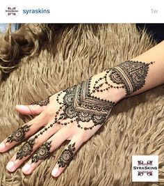 Explore latest Mehndi Designs images in 2019 on Happy Shappy. Mehendi design is also known as the heena design or henna patterns worldwide. We are here with the best mehndi designs images from worldwide. Henna Tattoo Designs, Bridal Henna Designs, Henna Designs Easy, Beautiful Henna Designs, Best Mehndi Designs, Wedding Designs, Simple Designs, Hand Tattoos, Neck Tattoos