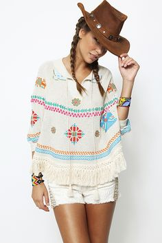 Poncho de punto bordado - 176,00€ : Zaitegui - Moda y ropa de marca para señora en Encartaciones