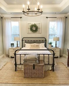Once again, urban farmhouse master bedroom design never falls out of fashion, especially when it comes to interior home design. Dream Bedroom, Home Bedroom, Bedroom 2018, Girls Bedroom, Bedroom Retreat, Farm Bedroom, Bedroom Black, Apartment Ideas, Apartment Master Bedroom