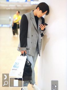 190922 incheon airport Say Ho! Airport Look, Airport Style, Yg Entertainment, Kpop Fashion Outfits, Fashion Models, Korean Airport Fashion, Korean Boy, Best Kpop, One Team