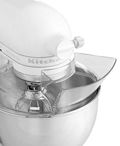 Less mess means less stress. This handy pouring shield attachment for your KitchenAid stand mixer, made of rugged plastic with a new single piece design, helps pour ingredients and prevent messes whil