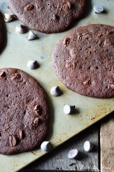 Double Chocolate Chip Coconut Flour Cookies - To make low carb use your favorite Sugar Free Sweetener instead of coconut sugar. I use Pyure Organic All-Purpose Stevia Sweetener or Swerve. Paleo Cookie Recipe, Paleo Cookies, Gluten Free Cookies, Cookie Recipes, Snack Recipes, Dessert Recipes, Paleo Recipes, Oven Recipes, Ketogenic Recipes