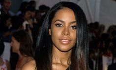 CELEBRITIES DIED SO YOUNG <<>> AALIYAH This brilliant R&B singer and rising film star had her life and career cut short at age 22 in a tragic plane crash. Fans around the world mourned her sudden death.