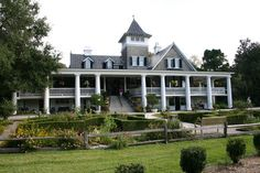 Magnolia Plantation House.. I really enjoyed visiting this place.. I love the view from the wrap around porch!!