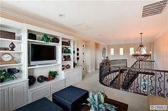 upstairs loft - Minus fancy stairs