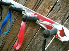 Dynastar Ski and Ski Pole Hanging Wall Coat Rack Hanging Coat Rack, St Anton, Ski Lodge Decor, Ski Rack, Wine And Liquor, Diy Tv, Sewing Art, Backyard Projects, Reno
