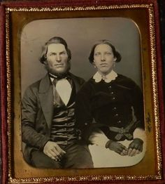 1-6th-Daguerreotype-in-Leather-Case-of-a-Couple-Selling-a-Huge-Collection