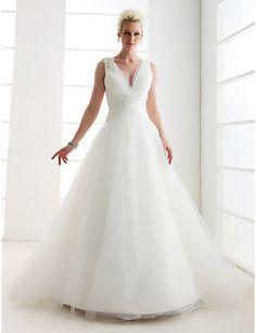 Awesome Princess Petite Plus Sizes Wedding Dress Ivory Floor length V neck Tulle