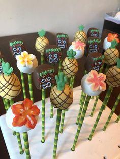 Cake with carrot and ham - Clean Eating Snacks Hawaiian Cake Pops, Luau Cake Pops, Hawaiian Birthday Cakes, Luau Cakes, Moana Birthday Party, Luau Birthday, Moana Party, Hawaiian Theme, Birthday Stuff