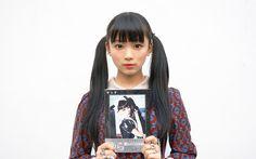 「WWD JAPAN.com」限定、サイン入りポラの応募詳細はページ最後に!