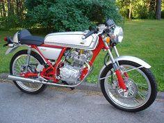 Custom Mini Bike, Honda S90, 50cc Moped, Honda Bikes, Cafe Racer Motorcycle, Lady Biker, Vintage Bikes, Vintage Racing, Custom Motorcycles