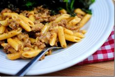 Homemade Cheeseburger Helper is the healthier, homemade version of boxed Hamburger Helper. This gluten-free dinner recipe is incredibly delicious! | iowagirleats.com
