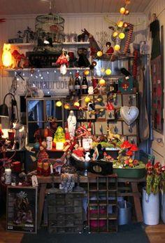 Pompoti shop display, Finland Shop House Plans, Country House Plans, Vintage Diy, Vintage Shops, Clothing Store Design, Shop Displays, Shop Organization, Coffee Design, Store Fronts
