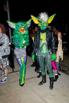 Gremlin cosplay costumes from gremlins two Diy Halloween, Couple Halloween Costumes, Halloween Cosplay, Halloween Decorations, Halloween Makeup, Creative Costumes, Cool Costumes, Cosplay Costumes, Costume Ideas