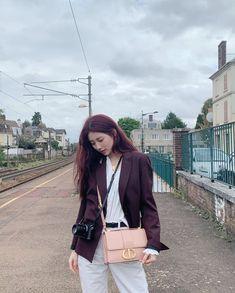 Korean Street Fashion - Life Is Fun Silo Korean Actresses, Korean Actors, Suzy Bae Fashion, Kdrama, Black Chuck Taylors, Rolled Up Jeans, Ulzzang Korean Girl, Kpop Fashion Outfits, Hair