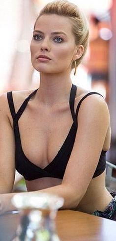 Margot Robbie in Herve Leger