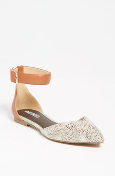 Free shipping and returns on Tildon 'Aubree' Flat at Nordstrom.com. Embrace the less-is-more approach of modern minimalism in an almond-toe flat.