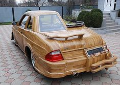 This car was built by Vasily Lazarenko. He quit his job and sold his two cars to finance the hobby. This looks like a wooden car with a ridiculous body? Don't quit your day job! Salesman Humor, Car Salesman, Weird Cars, Crazy Cars, Strange Cars, Wooden Car, New Bmw, Unique Cars, Cute Cars