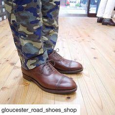 Gloucester Road Shoes Shop 作って頂いた靴を紹介して頂きました @gloucester_road_shoes_shop 様ありがとうございます 作りはもちろん素材へのこだわりも素晴らしいですこのオイルレザーもKOKON以外にパターンオーダーで頼めるところはないのでは 10年20年と大事に履くつもりです #gloucesterroadshoesshop #kokon #kokonshoes #degermann #shoes #repost #グロスターロードシューズショップ #ココン #ドゥジェルマン #紳士靴 #革靴 #リポスト