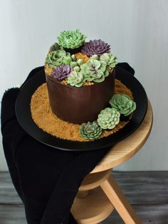 The method for this Instant Pot chocolate cake is really simple, just adding wet and dry ingredients. I decorated the cake with buttercream succulents!