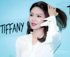 Sooyoung Korean Artist, Sooyoung, Snsd, Girls Generation, Female, Fashion, Moda, Fashion Styles, Fashion Illustrations