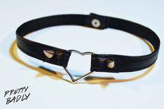 Heart leather Choker Black par PrettyBadly sur Etsy