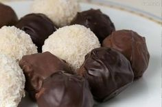Pomarančové pralinky - My site Holiday Cookies, Sweet Tooth, Food And Drink, Chocolate, Baking, Internet, Cakes, Recipes, Goodies