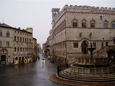 I live near a fountain that looks similar to this one that is also in Perugia Italy.Maybe its the same fountain? Perugia Italy, Umbria Italy, Southern Europe, Travel And Tourism, Sardinia, Countries Of The World, Alps, Bridges, Bella