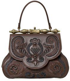 Conheça a bolsa desenhada por Leonardo da Vinci : www.fashionbubbles.com/arte-e-cultura/conheca-a-bolsa-desenhada-por-leonardo-da-vinci/