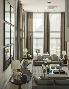 Elegância contemporânea em sala por Christina Hamoui