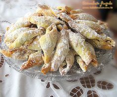 "Hungarian cornulete fragede recipe (It is written in Romanian so click on ""translate"" and it will."
