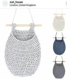 Ahhh que lindo! Super amei . #crochet #croche #handmade #fiodemalha #feitocomamor #feitoamao #trapilho #totora #knit #knitting #decor #quartodebebe #baby #portabrinquedos #portafraldas Por @zuri_house