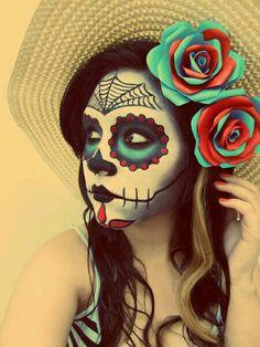 Chica pintada de calavera mejicana