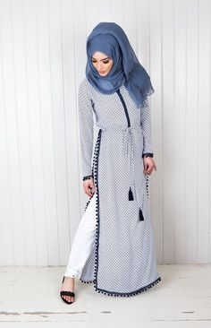 Muslim women abaya dress and Hijab emb Islamic Fashion, Muslim Fashion, Modest Fashion, Fashion Dresses, Hijab Dress, Hijab Outfit, Dress Muslimah, Modest Wear, Modest Outfits