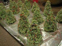 Christmas Tree Rice Krispy treats!! - so cute for the classroom!